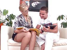 gift mogen kvinna blond