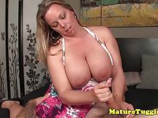 Unga flickor strippa på cam